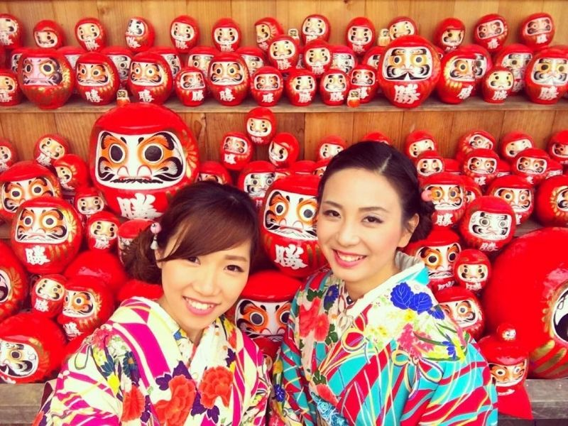 Vô số búp bê Daruma được đặt tại chùa Katsuoji minh chứng cho sự linh nghiệm